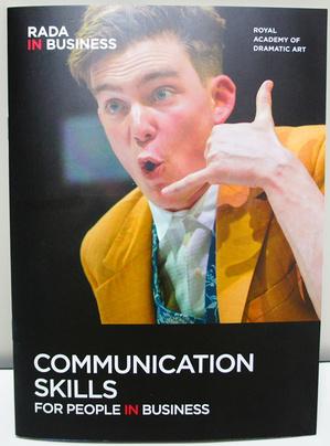 RADA英国王立演劇学校による俳優トレーニングをビジネストレーニングに応用したプログラム