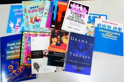 演劇教育に関する膨大な資料